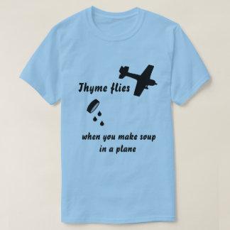 O tomilho voa a camiseta