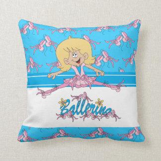 O travesseiro bonito do miúdo da bailarina almofada