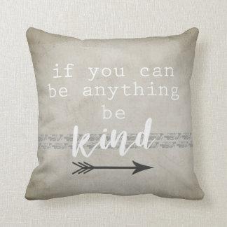 o travesseiro do acento das citações seja cinza e almofada