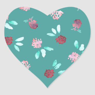 O trevo floresce a etiqueta lustrosa do coração