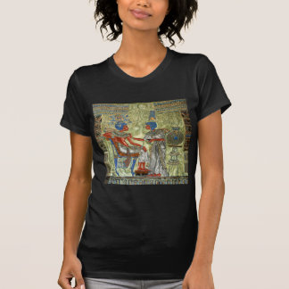 O trono de Tutankhamun T-shirts