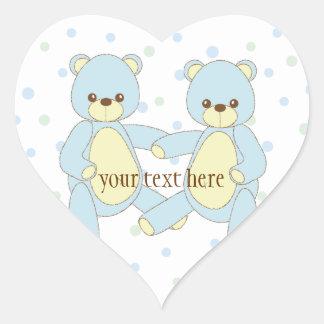 O urso de ursinho junta a etiqueta adesivo coração
