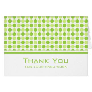 O verde limão pontilha o cartão do aniversário do