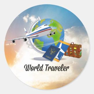 O viajante de mundo, embalado e apronta-se para ir adesivo redondo