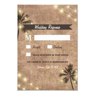 O vintage da palmeira ilumina cartões do casamento