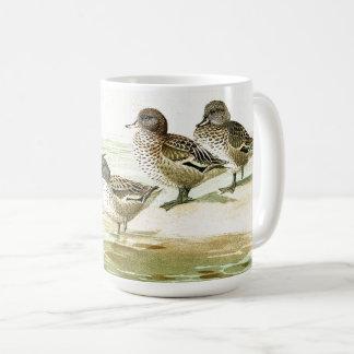 O vintage Ducks a caneca da lagoa dos animais dos