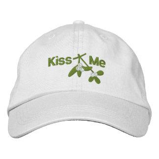 O visco do Natal beija-me Boné Bordado