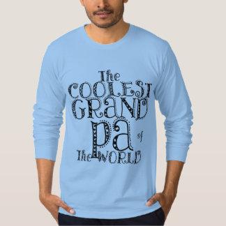 O vovô o mais fresco da camisa bonito do mundo