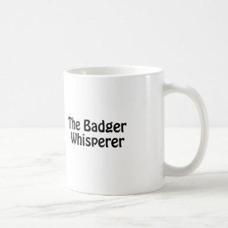 o whisperer do texugo caneca de café