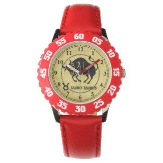 O zodíaco todo do Taurus datilografa relógios