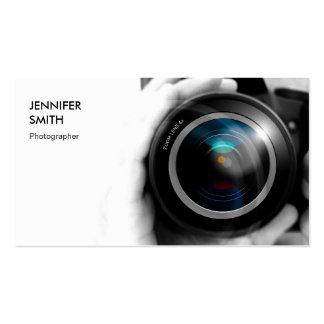 Objectiva simplesmente preto e branco do fotógrafo cartão de visita