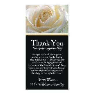 Obrigado da simpatia do falecimento do rosa branco cartão com foto