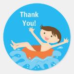 Obrigado do aniversário da festa na piscina você e adesivos redondos