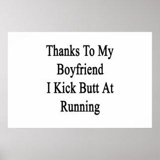 Obrigados a meu namorado eu retrocedo o bumbum no poster