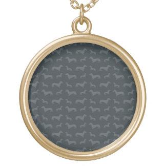 Obscuridade bonito - teste padrão cinzento do colar com pendente redondo