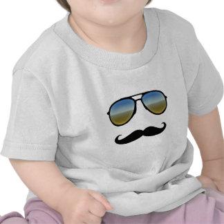 Óculos de sol retros engraçados com Moustache Camisetas