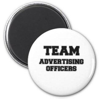 Oficiais da propaganda da equipe imãs