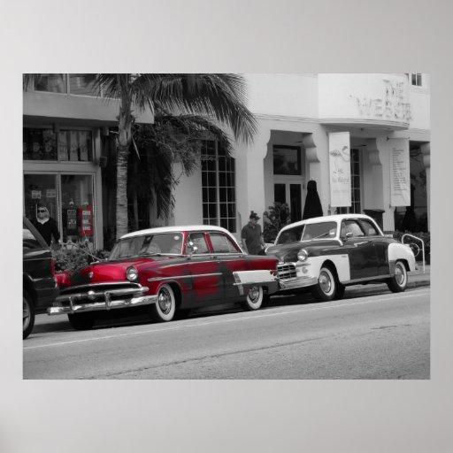 Oldtimer na movimentação Miami Beach do oceano Posteres