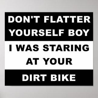 Olhando seu poster engraçado de Dirtbike Pôster