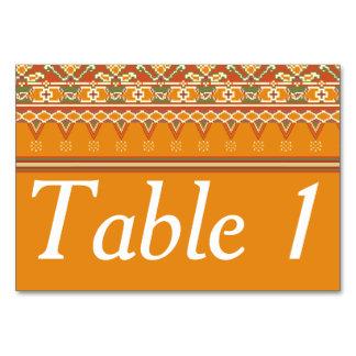 Olhar da beira de Ikat do cartão da mesa