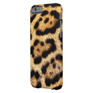 Olhar da pele do leopardo capa barely there para iPhone 6