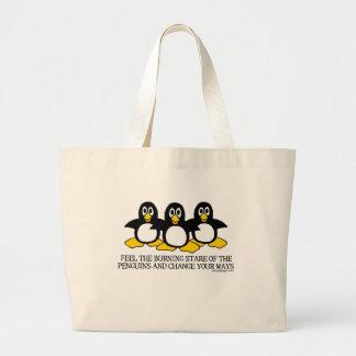 Olhar fixo ardente das bolsas dos pinguins