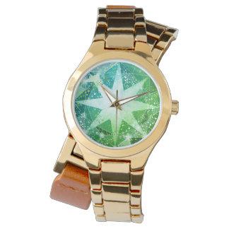 Olhar verde do cristal de rocha de pedra preciosa relógio de pulso