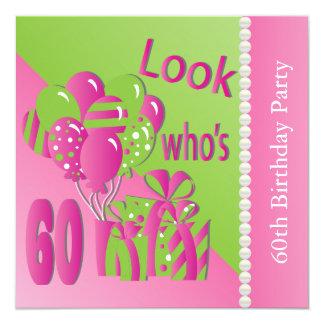 Olhe quem é 60 no rosa - 60th aniversário convite quadrado 13.35 x 13.35cm