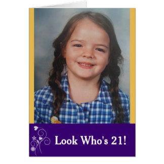 Cartão Olhe quem é cartão com fotos do aniversário de 21