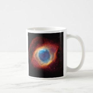Olho de caneca da nebulosa da hélice do deus