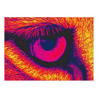 Olho dos leões no vermelho cartão de visita grande