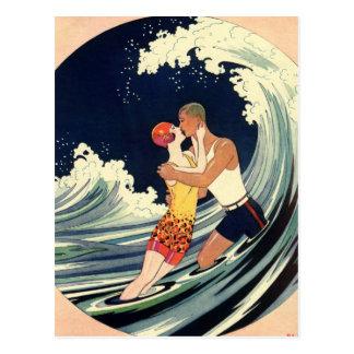 Onda romântica da praia do beijo do amor do art de cartões postais
