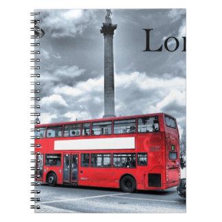 ÔNIBUS de LONDRES em preto & no branco (St.K) Cadernos Espiral