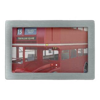 Ônibus vermelho do autocarro de dois andares no
