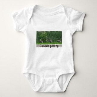 Onsie canadense t-shirts