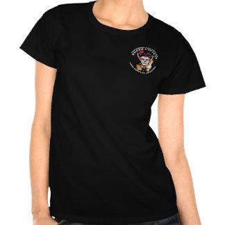 Opinião dianteira e traseira da rainha do pirata t-shirt