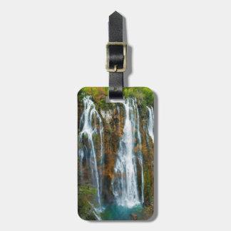 Opinião elevado da cachoeira, Croatia Etiqueta De Bagagem