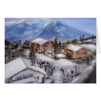 Opinião superior da montanha do cartão dos cumes