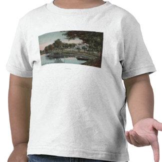 Orlando, Florida - vista de uma angra no lago T-shirt