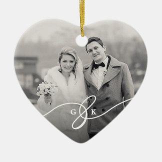 Ornamento alegre casado da foto do casamento do