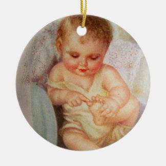Ornamento bonito do bebê do vintage