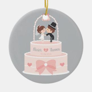 Ornamento bonito do bolo de casamento do chapéu de