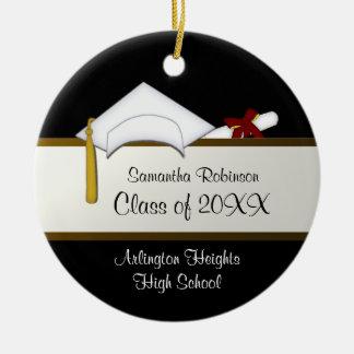 Ornamento branco da graduação do boné