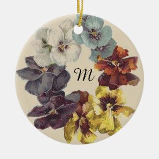 Ornamento cerâmico floral do anel do amor perfeito