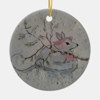 Ornamento cerâmico redondo da floresta do rato de