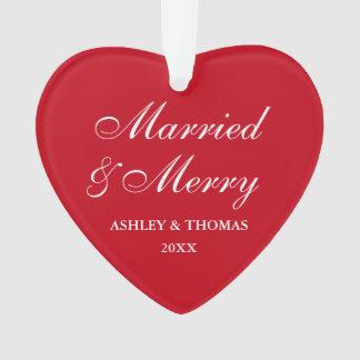 Ornamento Coração casado e alegre do vermelho do Natal do