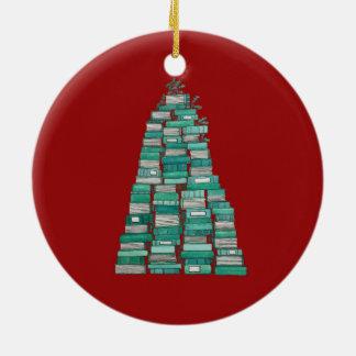 Ornamento da árvore do livro: Fundo vermelho
