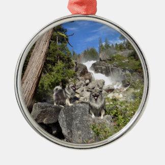Ornamento da cachoeira do Keeshond