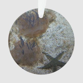 Ornamento de cabeça para baixo das medusa