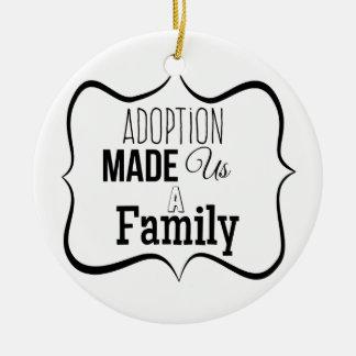 Ornamento De Cerâmica A adopção fez-nos uma família